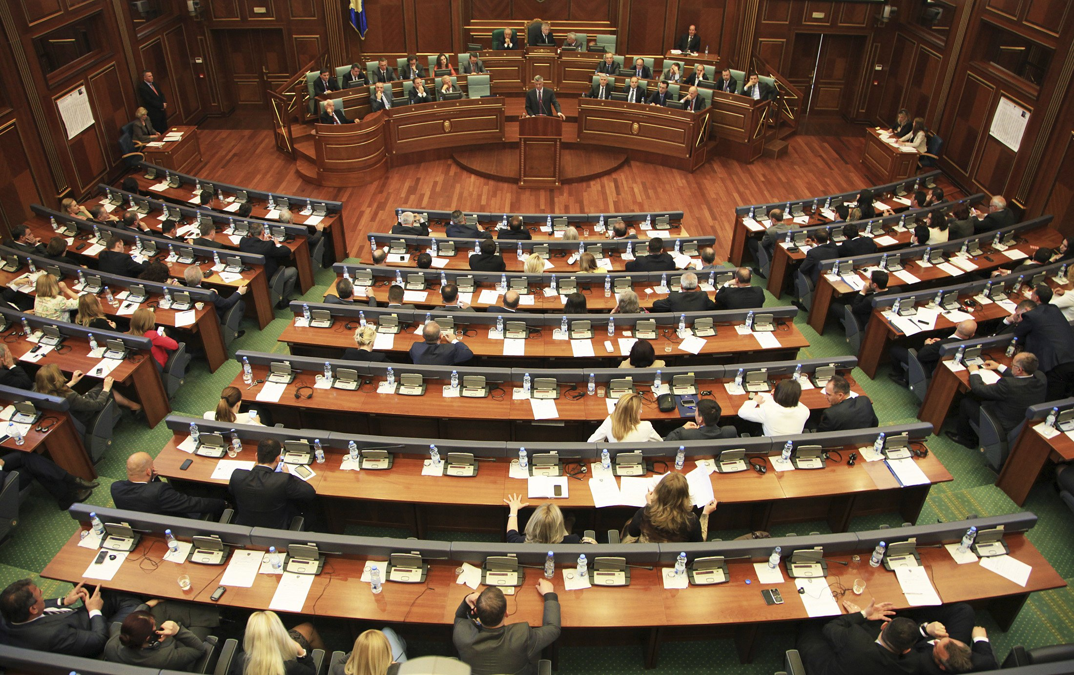 Western powers warn Kosovo on changing war crimes court law